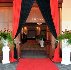 Hall Carpet Runners For Sale Red Carpet Backdrop, Red Carpet Theme, Red Carpet Party, Red Carpet Event, Teen Party Themes, Prom Themes, Party Ideas, Hollywood Red Carpet, Hollywood Theme