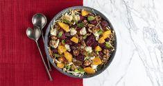 Σαλάτα με παντζάρια και γκοργκοντζόλα από τον Άκη Πετρετζίκη. Φτιάξτε μια νόστιμη σαλάτα με παντζάρια, λάχανο, ξηρούς καρπούς και τυρί!