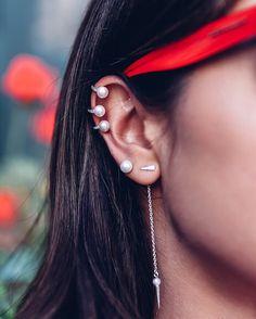"9,242 свиђања, 64 коментара - ANNABELLE FLEUR (@vivaluxuryblog) у апликацији Instagram: ""Current ear cuff #obsession ❤️ wearing @shopvivaluxury drop earrings, pearl studs & ear cuff…"""