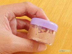 Make a Shimmering Bronzer Sunscreen Step 5.jpg
