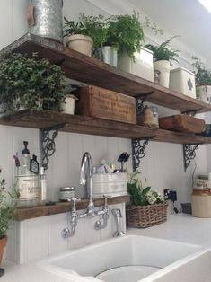 20 ways to create a French country kitchen - decoration ideas 201820 ways to create a French country kitchen - decoration ideas Charming French country house decor with timeless charm - home Charming French Country House, French Country Decorating, Italian Country Decor, French Country Colors, Country Chic Decor, Italian Home Decor, Rustic French Country, French Countryside, Country Art