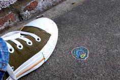 Streetart: Ben Wilson bemalt Kaugummis auf Londons Straßen [12 Bilder]
