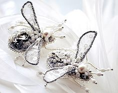 ·*Gentle and beautiful Butterfly brooch - excellent for bride, excellent as anniversary gift, wedding gift, graduation gift, excellent holiday