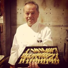 Backstage: @WolfgangBuzz w/ mini #Oscar golden statuettes prepping for today's award-winning menu on #TheTalk!