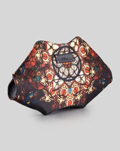 http://nutweekly.com/alexander-mcqueen-demanta-stained-glass-printed-clutch-bag-p-1924.html