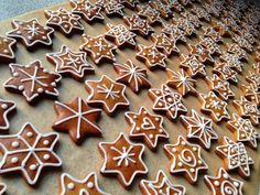 Gingerbread Stars, Lebkuchensterne, Christmas 2012, Weihnachten 2012, Christmas Dishes, Christmas Sweets, Christmas Gingerbread, Christmas Baking, Christmas Cookies, Xmas, Gingerbread Decorations, Gingerbread Cookies, Biscuit Decoration