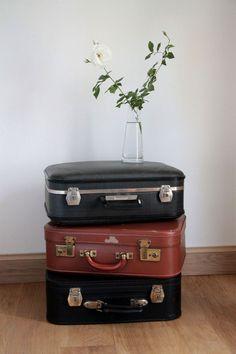 valises vintages en carton. Black Bedroom Furniture Sets. Home Design Ideas