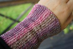 Arm Warmers, Mittens, Loom, Arms, Knitting, Annie, Gloves, Wrist Warmers, Hobbies