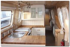 Top 65 Rvs And Camper Van Interior Design Ideas Narrowboat Kitchen, Narrowboat Interiors, House Boat Interiors, Canal Boat Interior, Sailboat Interior, Barge Interior, Interior Modern, Interior Ideas, Interior Design
