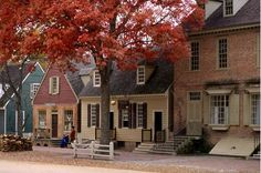 Colonial Williamsburg....I revise my previous London statement....it is tied with the 'burg for my favorite place on Earth <3