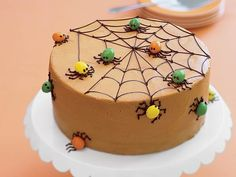 "Cake of the Week: Spiderweb Spice Cake ""It's time to make Halloween-themed baked goods! Or more specifically, Halloween cakes. Let's dive right into this Spiderweb Spice Cake from All You! The cake itself is full of spices and classic fa. Chocolat Halloween, Plat Halloween, Buffet Halloween, Dessert Halloween, Halloween Goodies, Halloween Cakes, Halloween Treats, Halloween Spider, Halloween Baking"