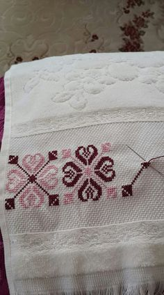 Just Cross Stitch, Cross Stitch Borders, Cross Stitch Designs, Cross Stitching, Cross Stitch Patterns, Wool Embroidery, Embroidery Patterns, Cross Stitch Embroidery, Asdf