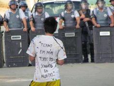 Coragem e esperança.  [Estudante secundarista durante ocupação das escolas. Dezembro/2015, São Paulo. Autor desconhecido]