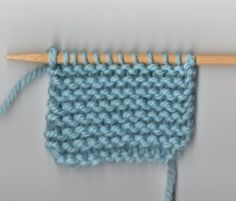 Knit Garter | A Good Read: Identifying Your Stitches | Lion Brand Notebook~ clear explanation on how to read your knitting stitches