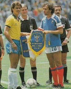 Soccer World, World Football, Football Jerseys, History Of Soccer, Michel Platini, Kids Soccer, Sport Icon, Fifa World Cup, Fc Barcelona