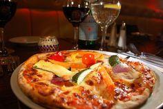 Pizza, Wein, Abendessen