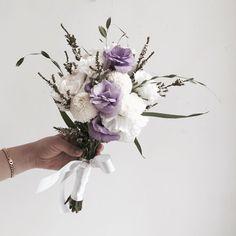 이미지: 꽃, 식물 Small Wedding Bouquets, Flower Bouquet Wedding, Bridesmaid Bouquet, Floral Bouquets, Beautiful Flower Arrangements, Floral Arrangements, Beautiful Flowers, Civil Wedding Dresses, Hand Bouquet
