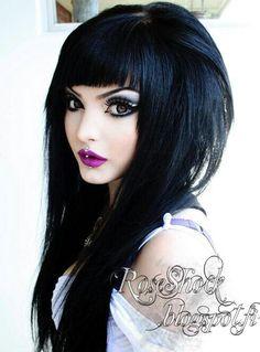 Cool makeup, love the piercings