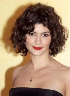 Audrey Tautou at the 2009 Rome photocall for 'A Very Long Engagement'. http://beautyeditor.ca/2015/07/02/straight-or-curly-hair