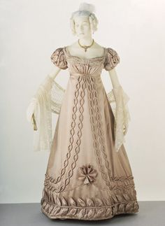 Evening Dress    1820-1823