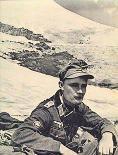 """Division """"Edelweiss"""" - battle for Caucasus. Captain Grotto from the 1 St Infantry Division """"Edelweiss""""."""
