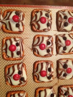 Go Badgers!!I've gotta make these!