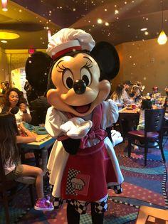 Disneyland Hacks, Disneyland Restaurants, Disneyland Secrets, Disneyland Vacation, Disney Cruise, Walt Disney, Minnie Mouse Disneyland, Disneyland Princess, Mickey Mouse