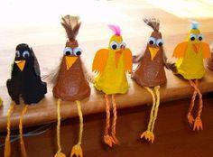 Vytvoriť tieto sliepočky a kohútikov je veľmi jednoduché, ak máte doma nepotrebný kartón od vajíčok.
