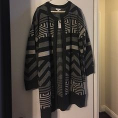 Long Open Sweater BNWT Brand new never worn -- 100% acrylic, thick soft material. Perfect for wearing with leggings as it's long enough to fully cover your backside! Reasonable offers only please! New York & Company Sweaters Cardigans