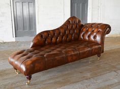 The antique Leather Chesterfield Chaise Lounge is an elegant and stylish piece of furniture that is sure to stand out in any room. This piece of furniture is more like a completely unique centre piece in a room Lounge Design, Sofa Design, Chesterfield Furniture, Sofa Furniture, Leather Chesterfield, Leather Sofas, Chaise Lounge Indoor, Style Boudoir, Pub Table And Chairs