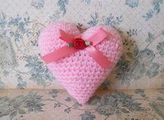 Ideas crochet amigurumi heart valentines for 2019 Crochet Pillow Patterns Free, Crochet Doily Rug, Crochet Mandala Pattern, Crochet Flower Patterns, Free Crochet, Free Pattern, Crochet Hearts, Irish Crochet, Beginner Crochet