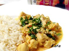 KataKonyha: Madras csirkecurry Naan, Fried Rice, Risotto, Curry, Ethnic Recipes, Food, Cilantro, Curries, Essen