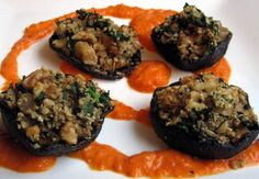Stuffed Portobello Mushrooms w/ Roasted Red Pepper Coulis- want to try this with full sized mushrooms and lentils instead of breadcrumbs. It would be good topped with roasted grape tomatoes too. Mushroom Appetizers, Vegan Appetizers, Vegan Snacks, Raw Vegan, Vegan Vegetarian, Butterball Recipe, Vegan Quiche, Vegan Alfredo Sauce, Stuffed Portabello Mushrooms