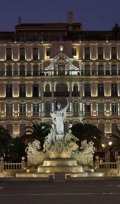 Place de la liberté, Toulon France (Produits : X-LINE, X-MINILINE)