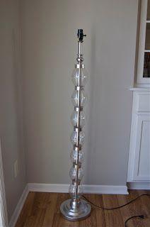 DIY: transform the base of a lamp with coke bottles Floor Lamp Makeover, Diy Floor Lamp, Diy Luz, Diy Flooring, Diy On A Budget, Diy Craft Projects, Crafts, Decoration, Diy Furniture