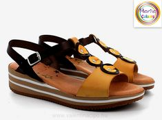 Valentino, Sandals, Shoes, Fashion, Moda, Shoes Sandals, Zapatos, Shoes Outlet, Fashion Styles