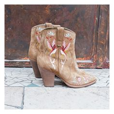 The Jenny embroidered ankle boots are new in for the ASH boho collection!  http://www.ashfootwear.co.uk/womens-c1/ash-jenny-embroidered-western-boot-russet-suede-p2268