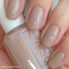 We like these nude nails Neutral Nails, Nude Nails, My Nails, Hair And Nails, Sand Nails, Essie Nail Polish, Nail Polish Colors, Nail Polishes, Nail Art