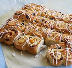 Dan's Sticky Spiced Orange Chelsea Buns Chelsea Bun Recipe, Dough Ingredients, British Baking, Great British Bake Off, White Bread, Dry Yeast, Sugar And Spice, Tray Bakes, Spices