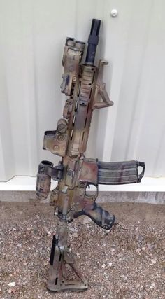 Love this finish. Military Weapons, Weapons Guns, Guns And Ammo, Paintball, M4 Carbine, Ar Rifle, Battle Rifle, Cool Guns, Assault Rifle