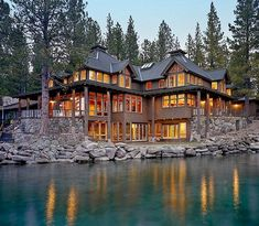 Nice 70 Most Popular Dream House Exterior Design Ideas source : https://ideaboz.com/2019/01/30/70-most-popular-dream-house-exterior-design-ideas/ Log Cabin Kits, Log Home Kits, Log Cabins, Log Homes, Barn Homes, Exterior Design, Log Home Decorating, Decorating Tips, Dream House Exterior