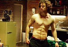Aaron Taylor Johnson shows off his rippling physique in the new Kick-Ass 2 trailer Aaron Taylor Johnson Shirtless, Arron Taylor Johnson, Aaron Johnson, Bae, Workout Programs, Beautiful Men, Dead Gorgeous, Sexy Men, Hot Men