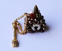 Miniature gâteau en perles : Porte clés par lesbijouxdunibou
