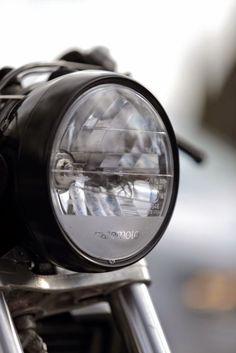 Cafemoto 002 BMW K100 Caferacer Bmw Old, Custom Headlights, Bmw K100, Scrambler, Drip Coffee Maker, Engineering, Glass, Board, Motorbikes