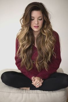 Perfect wavy hair. Can't wait till my hair is this long!