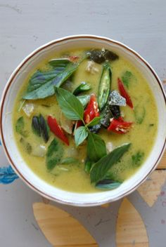 Green Curry with chicken in Thai Style, Gang Keaw Wan Kai at banmayom.com