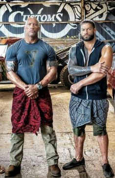 Legendary WWE Superstar The Rock (Dwayne Johnson) with his cousin WWE Superstar . - wwe & wwf News Roman Reigns Smile, Wwe Roman Reigns, Roman Reigns Tattoo, Roman Reigns Wwe Champion, Wwe Superstar Roman Reigns, Wrestling Superstars, Wrestling Wwe, Wrestling Costumes, The Rock Dwayne Johnson