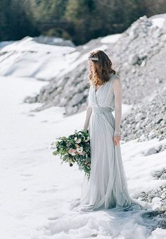 """Styled Shoot Februar 2016 """"Frosted Love"""" by Carolina Auer Photography Something Blue, Frost, Winter Green, Relationship, Pure Products, Wedding Dresses, Photography, Wedding Ideas, Concept"""