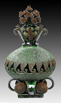 Michoacan, pottery in intricate pineapple forms South American Art, Native American Decor, Mexican Crafts, Mexican Folk Art, Pottery Designs, Pottery Art, Mexican Ceramics, Vases, Mexico Art