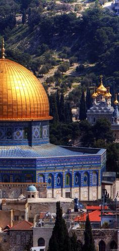 Dome of the Rock mosque - Jerusalem Palestine Islamic Architecture, Beautiful Architecture, Art And Architecture, Beautiful World, Beautiful Places, Beautiful Pictures, Terra Santa, Naher Osten, Dome Of The Rock